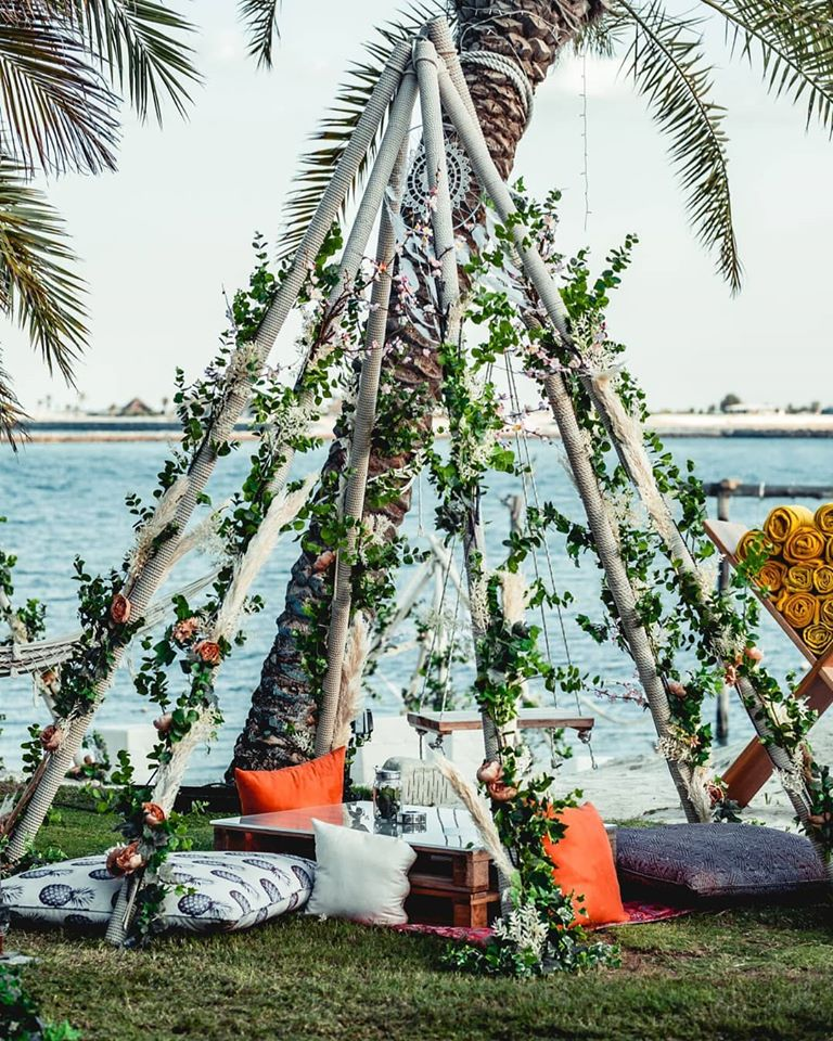 A tribal theme is not complete without plenty of hip teepees spread around the beach for people to enjoy some music with sheesha. Beautifully styled by @lmf_dubai Vibrant furniture by @desertriver @zayanuraiisland #nuraifest #abudhabi #zayanuraiisland #music #festival #theme https://t.co/iK3LvSXfes