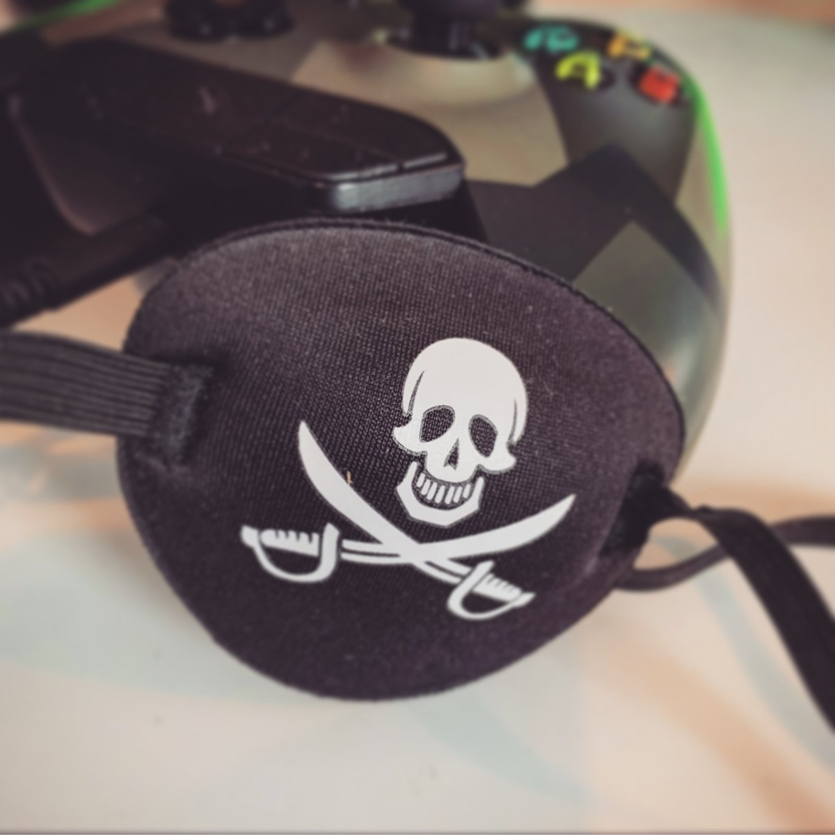 We LOVE Sea of Thieves we will be streaming tonight on Twitch - Checkout http://www.twitch.tv/hairyfacegamers #gaming #gamingmemes #gaminglife #GamingPosts #gamingsetup #Gamingmeme #gamingpc #gamingcommunity #gamingroom #gamingrig #gamingislife #gamingnews #gaminggear pic.twitter.com/ojY3hNoQtB