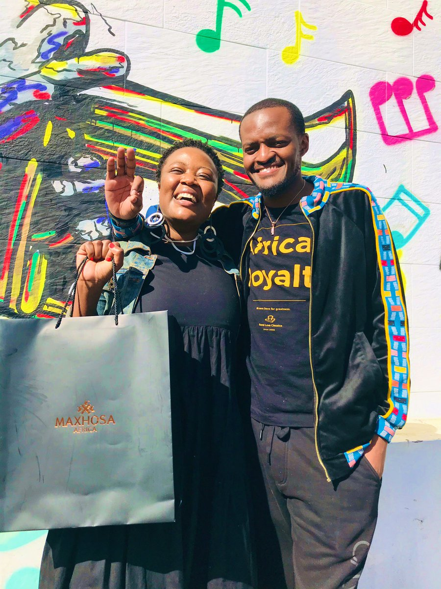 For my 30th birthday, I wanted a R10 400 dress from @MaXhosaAfrica  I fundraised for the dress on Facebook and raised the money within 25 days.  Collected my dress today & met @LadumaNgxokolo as I was leaving. It's possible Black child. So overwhelmed!😭🙏🏿🥰#CountdownTo20August https://t.co/NShGXjNexk