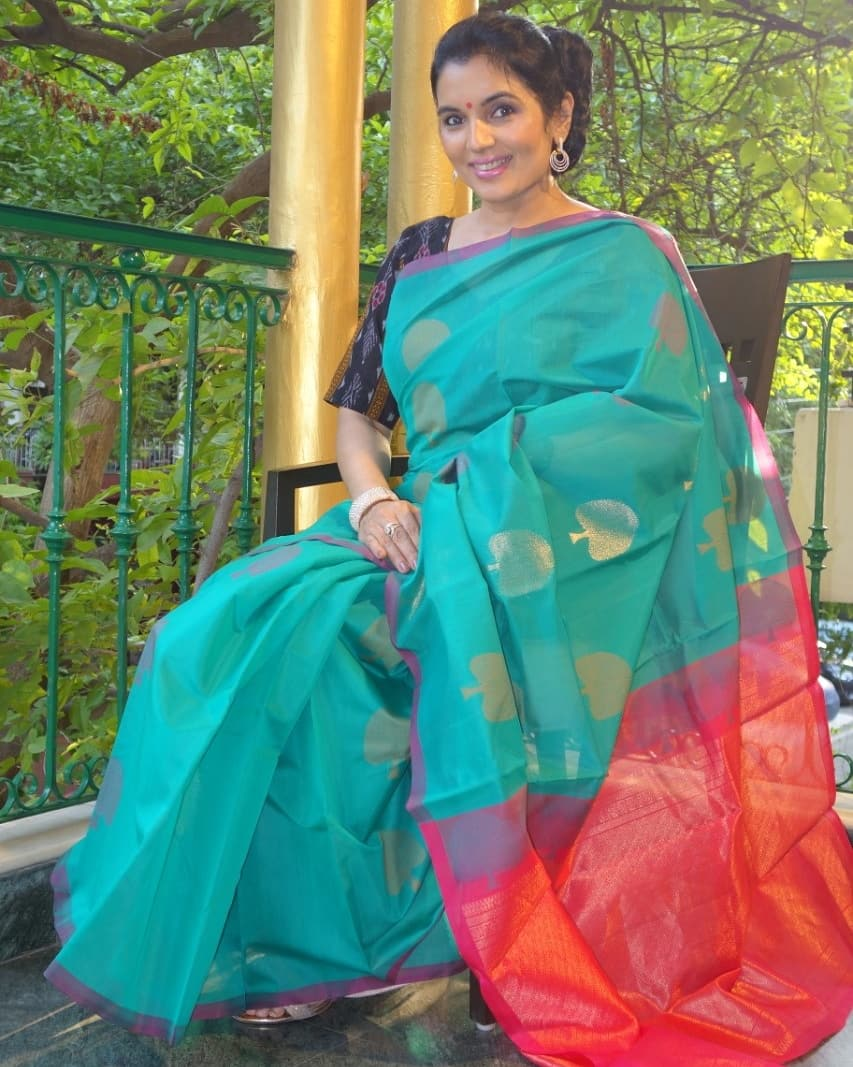 Presenting this beautifully crafted Cotton Silk Saree. To view more pictures visit our blog. http://www.kiransawhney.com/2020/08/cotton-silk-saree_4.html…  For more details, Contact: +919810530027  #cottonsilksaree #cottonsaree #silksaree #cotton #silk #saree #Indian #fashion #beautifulpic.twitter.com/eK13I4zWsI