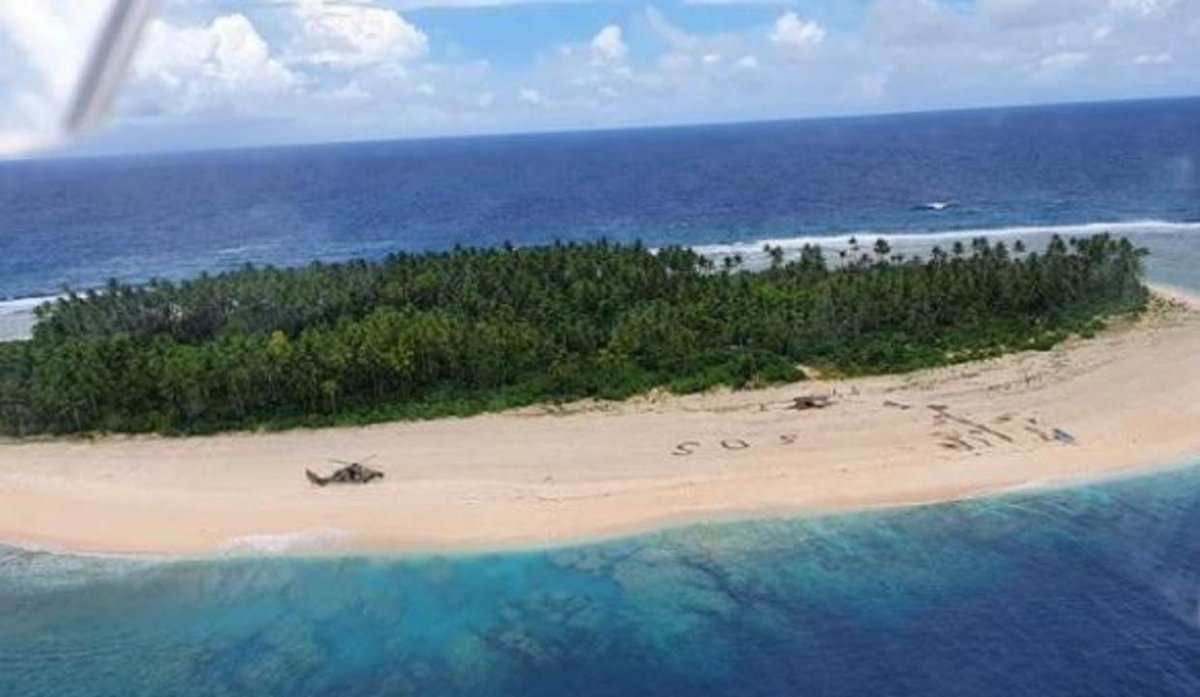 3 men rescued from tiny Pacific island after writing giant SOS in sand cbsn.ws/3i7hLKd via @CBSNews