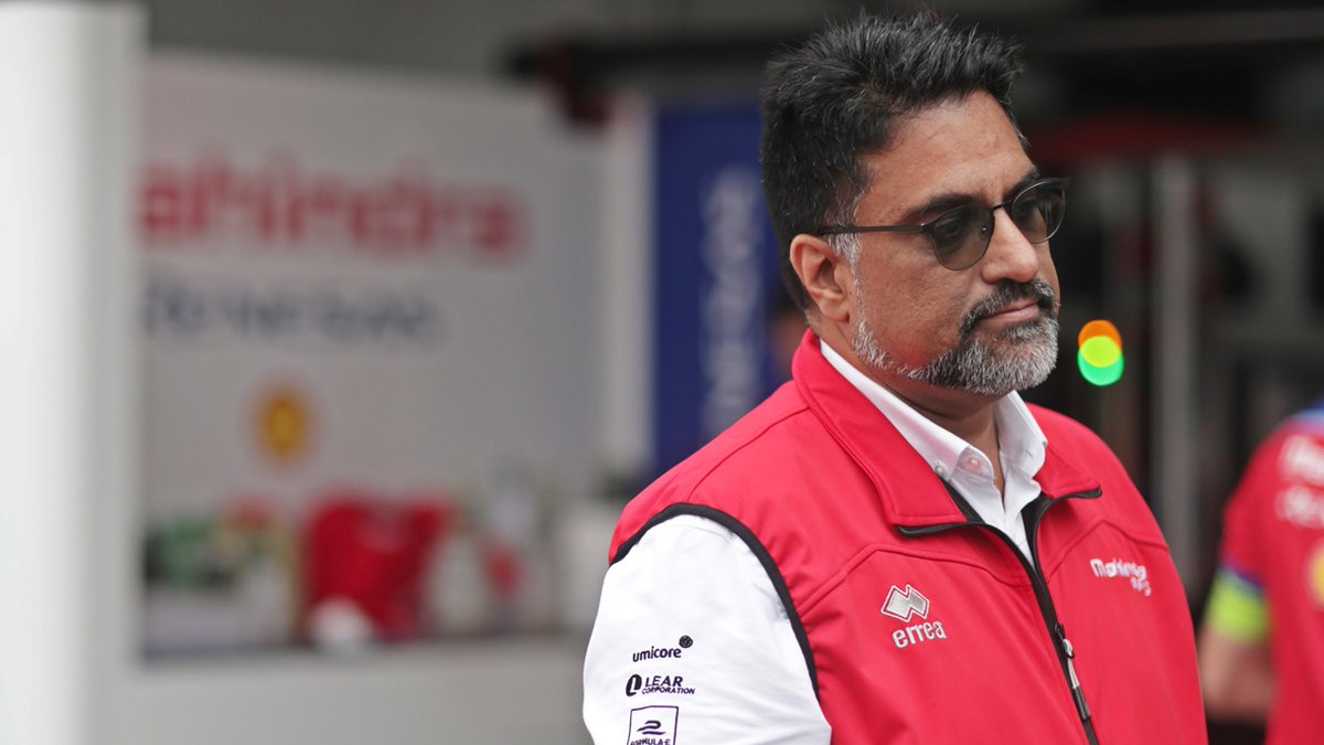 [BREAKING] @MahindraRacing team principal @dilbagh_gill has tested positive for #COVID19.   Gill is asymptomatic & is currently self-isolating in his hotel room. He will undergo a 2nd test tomorrow.   The Inside Electric Team wishes Dilbagh a swift & complete recovery. https://t.co/ger380FCM5