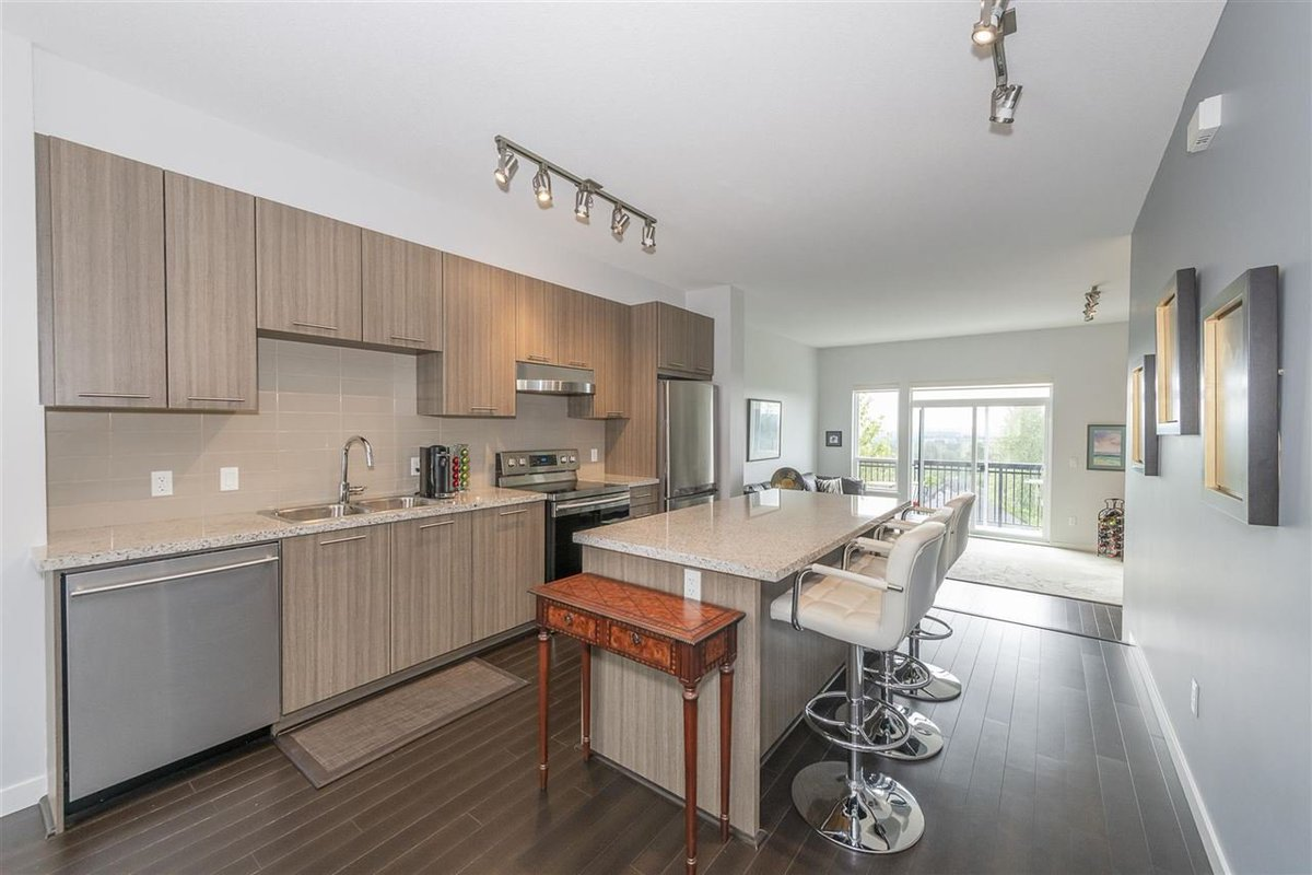 This Burke Mountain townhome has a rare view that you need to check out. Click the link details! https://bridgewellgroup.ca/49-1295-soball-street-coquitlam/… #PortMoody #NewWest #Burnaby #Coquitlampic.twitter.com/iNtnzBrsN0