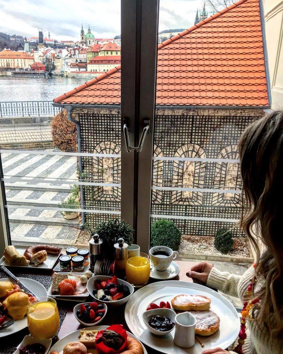 Wonderful morning in Prague. Breakfast with a lovely view #prague #czechrepublic #beautifulcity #amazingplaces #wonderfulplaces #beautifulplaces #breakfastwithaview #vegan #food #travel #travelphotography #nature #travelgram #photooftheday #instagood #wanderlustpic.twitter.com/plasSUNSCc