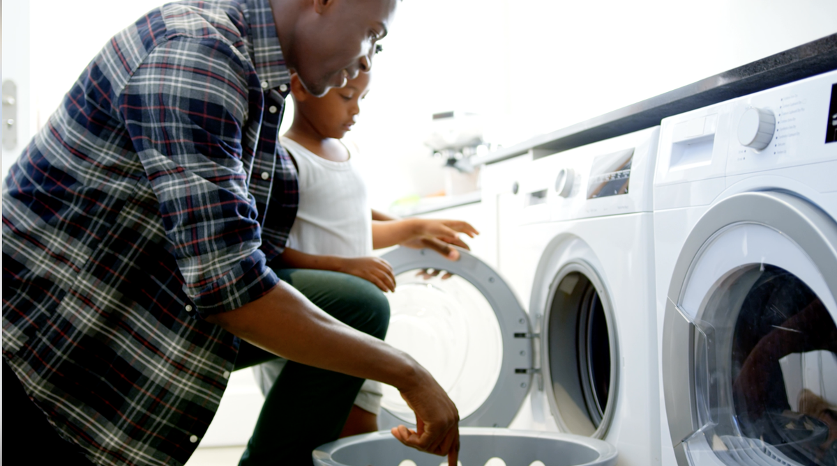 SoCalGas & @GoodwillSoCal have teamed up to provide info about SoCalGas' energy- and $$$-saving programs in participating #Goodwill stores beginning this month! Qualifying customers can receive a 20% #discount & save up to $700/yr. on monthly energy bills. https://bit.ly/39TI9Eopic.twitter.com/ExCTcauZyZ