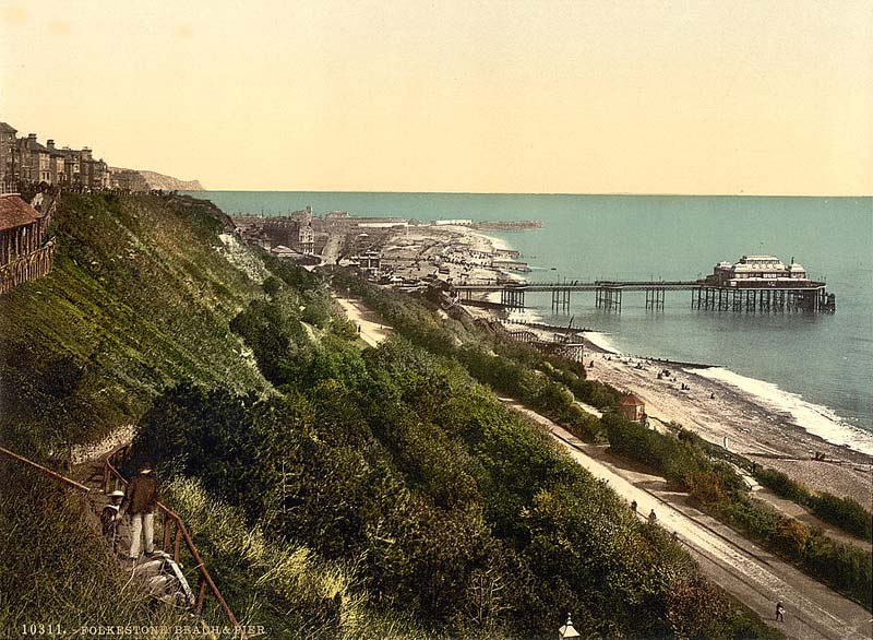 Vintage #Kent #postcards and pictures: #Folkestone Beach and Pier https://t.co/XsJdGCdnrk