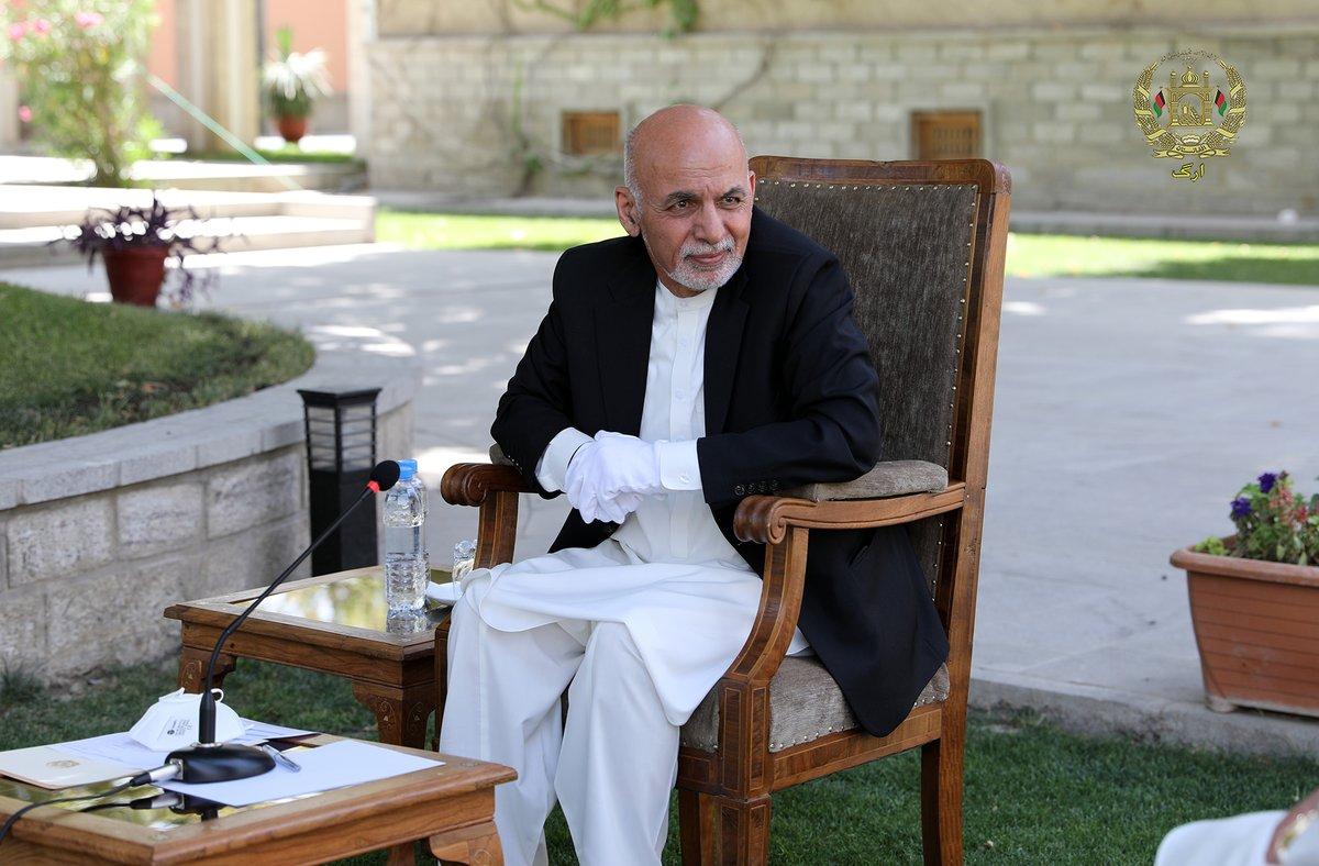 محمد اشرف غنی رئیس جمهوری اسلامی افغانستان قبل از ظهر امروز طی نشست مشورتی با میررحمان رحمانی رئیس ولسی جرگه و هیات اداری این نهاد، در مورد برگزاری لویه جرگه مشورتی صلح، صحبت کرد. https://t.co/JKhy4uMv5s
