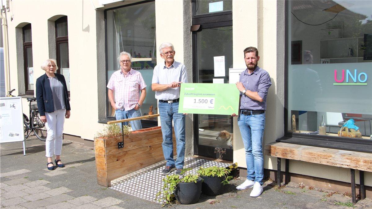 """#Engagiert in der #Region! Mit einer Spende in Höhe von 1.500€ unterstützen wir den Verein """"Unser Nordertor"""" in #Nienburg. Künftig wird es kreative Kurse und Workshops für Jung und Alt zur Stärkung des Nachbarschaftsverhältnisses geben.pic.twitter.com/6HgnEer9t4"""