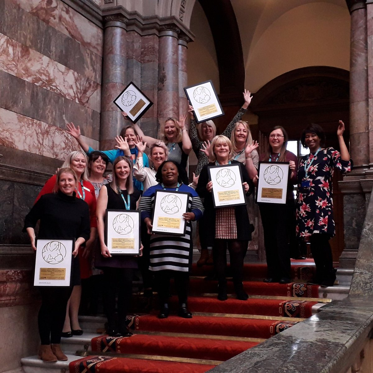 On #WorldBreastfeedingWeek we're taking a look back to last year when our 0-19 Health Visiting Services and  @SheffCouncil were both been presented with @UNICEF's Baby Friendly Initiative Gold Award.  These photos were taken before social distancing measures were introduced.pic.twitter.com/AXkPuGCG3x