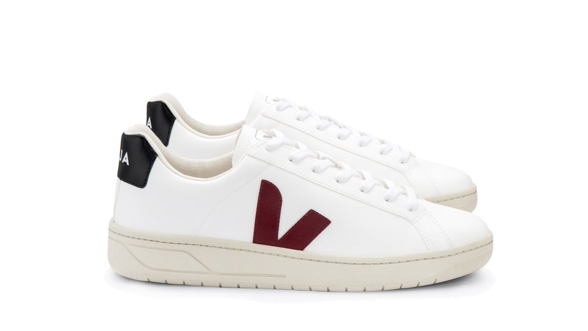Made from corn waste and other renewable agricultural, marine and forestry materials, these sneakers are completely #biodegradable. @vejaproject #syntheticbiology #synbio  Veja Urca trainers: New vegan design announced | British GQ https://t.co/PtrU95TgXl https://t.co/aJBQh9MLVN