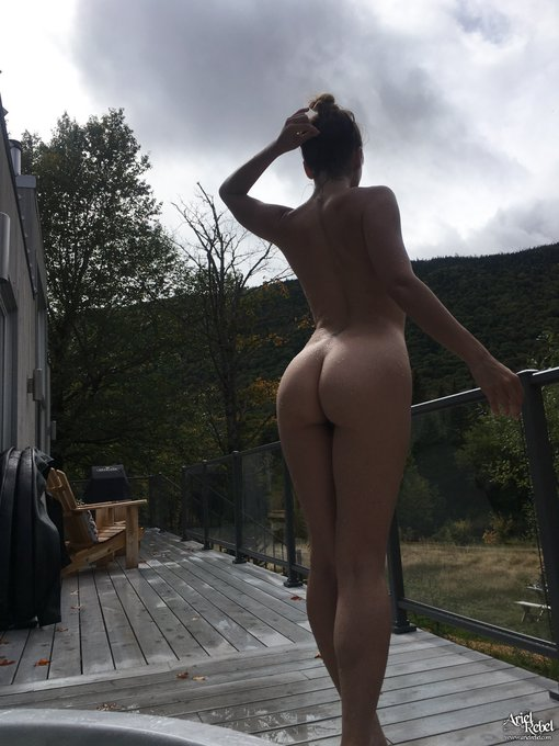2 pic. Ok so you already know that being naked in nature is my FAVORITE THING TO DO IN THE WHOLE WORLD