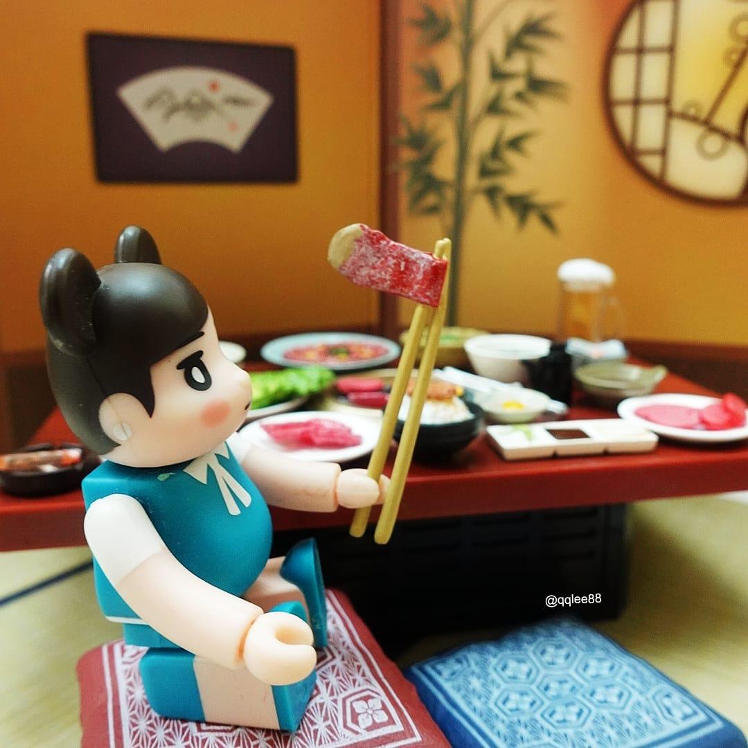 8月4日 #箸の日 #箸 #筷子 #chopsticks  #焼肉  #今日は何の日 #フチ子 #fuchiko #fuchico #杯緣子 #ol人形  #リーメント #rement #ぷちサンプル #食玩  #扭蛋 #ガチャガチャ #bearbrick https://t.co/KRcuhjLuaR