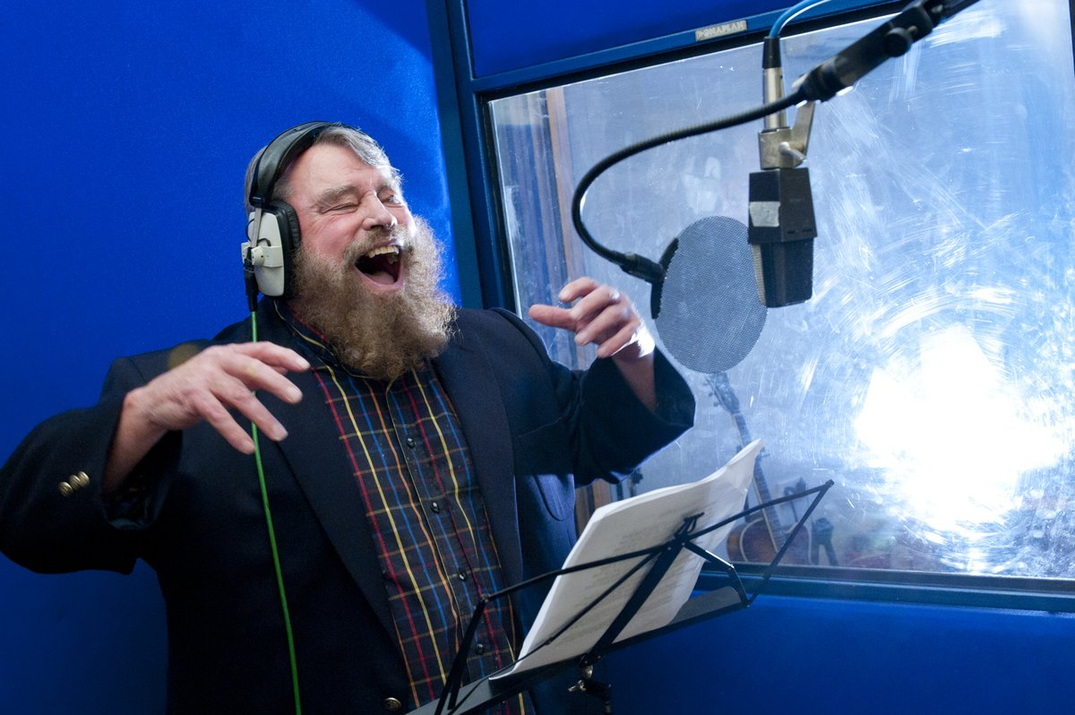 In 2012 @brianblessed rapped! Working with #EliotKennedy @steelworksmusic  we re-imagined On Ilkla Moor Bah'tat – This unique #Yorkshire #tourism story featured in the Telegraph, BBC World Service, and BBC One Show. #YorkshireAnthem https://bit.ly/31hfVzIpic.twitter.com/aTcvWLQUdV