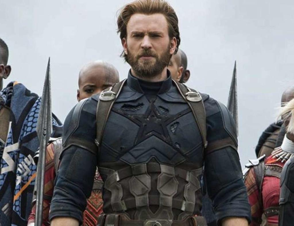 Who's your fav Chris? Comment below 👇 1. Chris Evans 2. Chris Hemsworth 3. Chris Pine 4. Chris Pratt