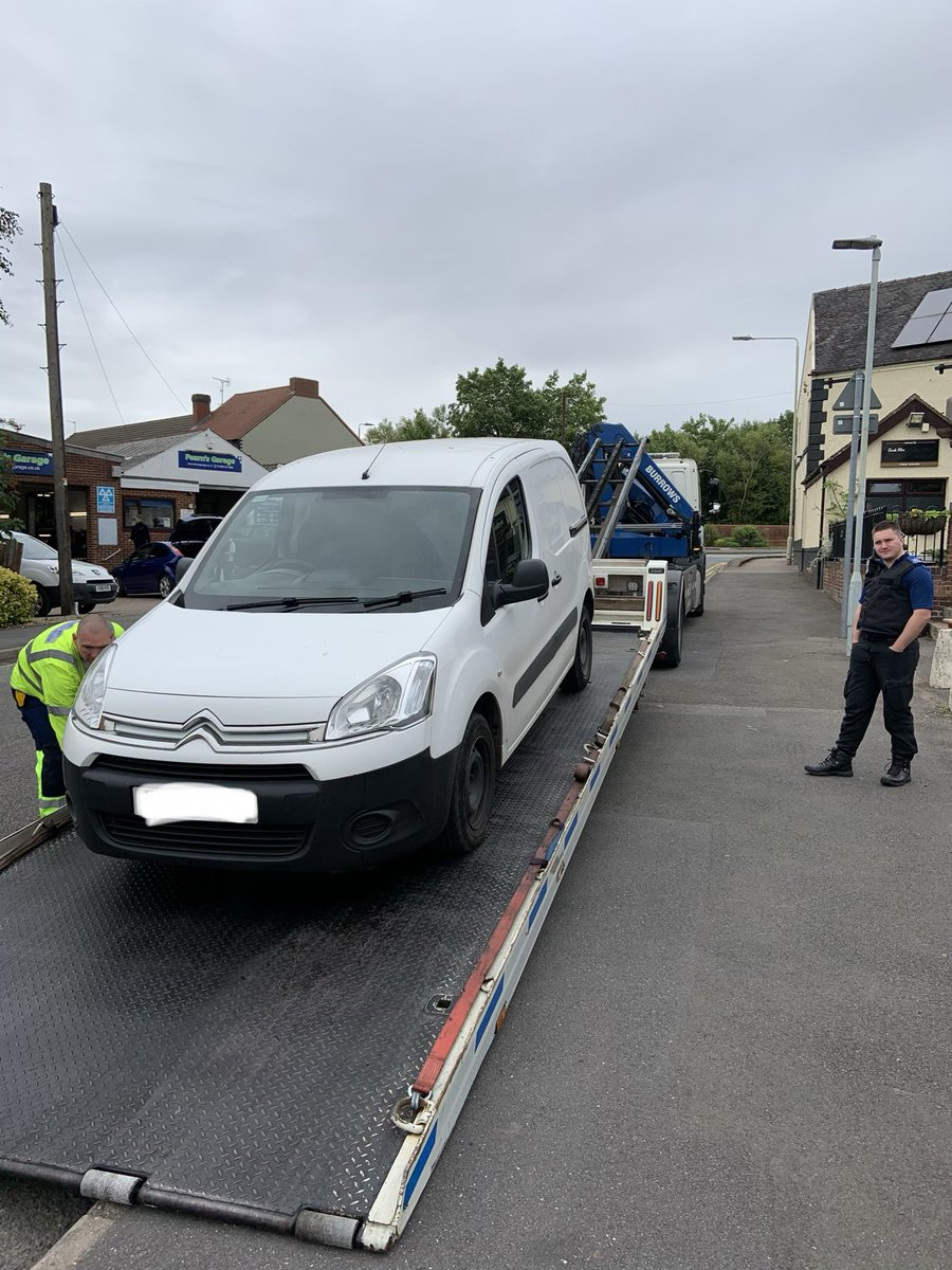 3 vehicles seized this morning.  1 arrested for drug driving. 1 arrested after he was outstanding for West Mids.  Finally, 1 reported for driving whilst disqualified.   @DerbyshireRPU would be proud!   #SuccessfulDay #Trafficpic.twitter.com/RDabv5higv