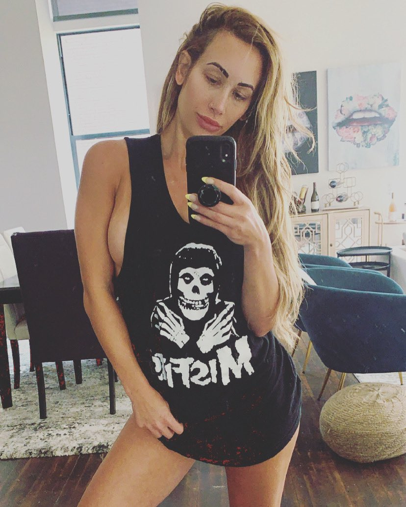 Damn Mella ! #Carmella #WWE #SmackDownpic.twitter.com/iUumGc2JPL