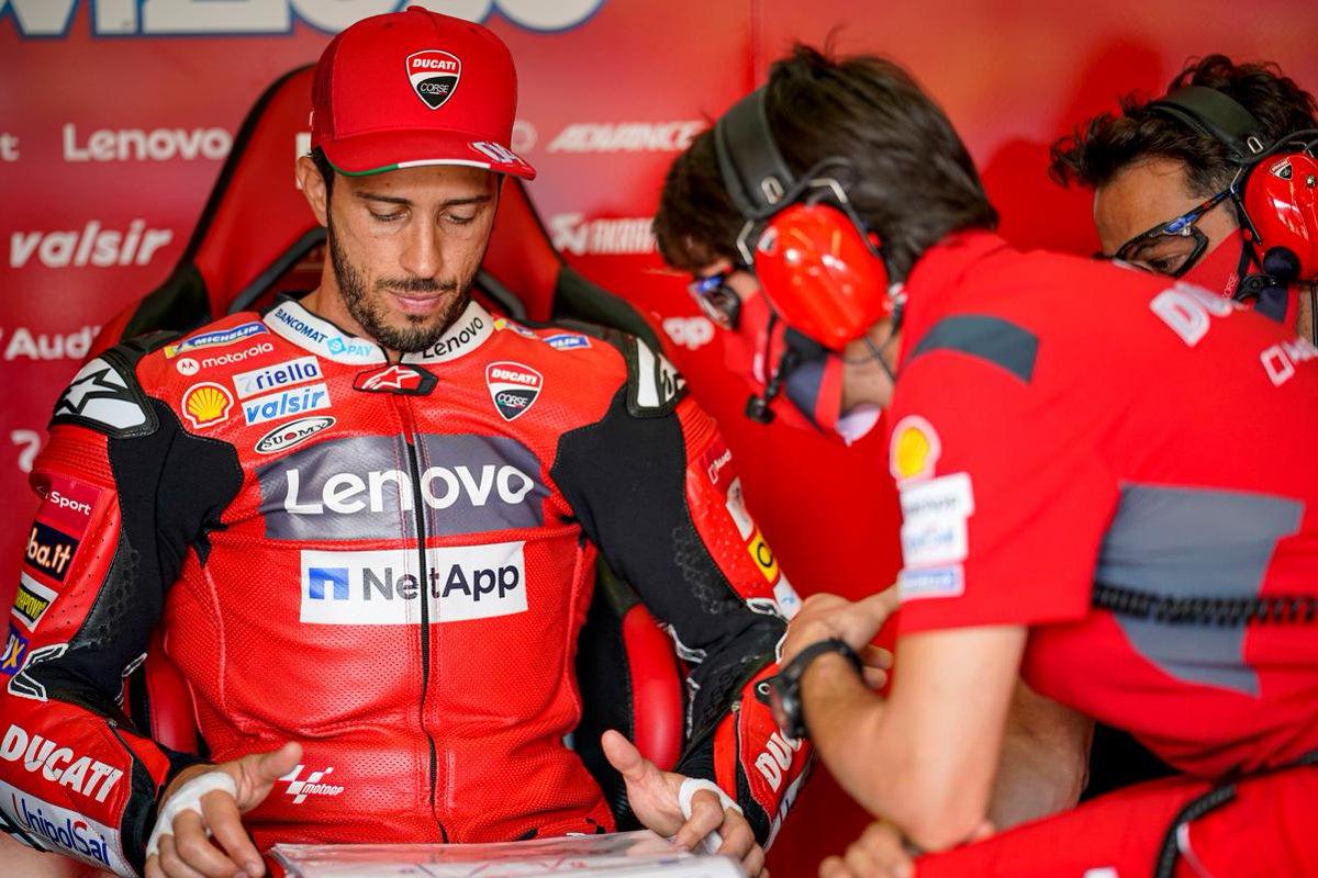 El futuro de @AndreaDovizioso se resolvería después de Austria Toda la información en ➡️ https://t.co/2FRpyA8GIr 📸 #MotoGP   #AD04 #Ducati #CzechGP #AustrianGP https://t.co/cD14arWn7P