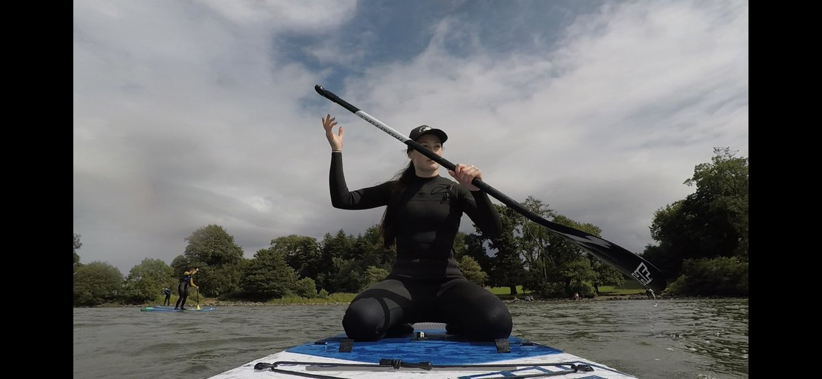 HEY GUYS I LEARNT HOW TO PADDLEBOARD THIS WEEK pic.twitter.com/kdVmDIL73Z
