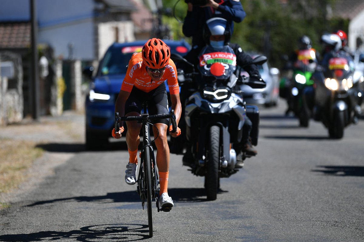 """REPORT: Masnada narrowly misses stage win on final day at #RDO2020  """"The peloton caught me in the last 3 kilometers which is such a pity because I believed in a victory, also in order to thank the team for the fantastic work done in the last days.""""  More  https://t.co/kyFBxvZcUi https://t.co/YjsuLoiR4P"""