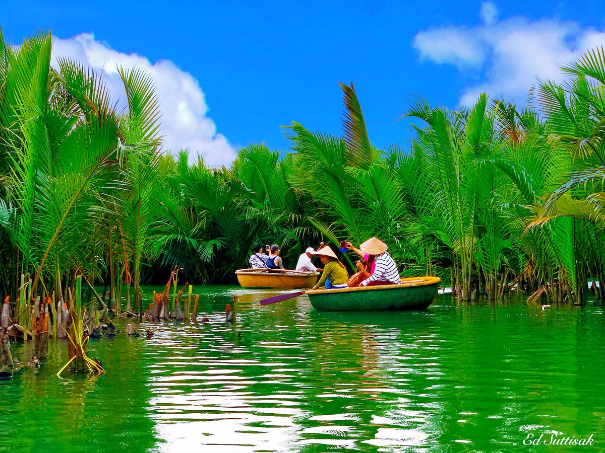 """Life is like a boat in the river. Keep rafting to reach the other end."" - Lawanshu Kaushik #basketboat #river #vietnam 🇻🇳 #Traveling #adventure #travel #traveler #WorldTraveler #TravelBlogger #wanderlust #travelphotography #naturelover #naturelovers https://t.co/z5km6vhKl9"