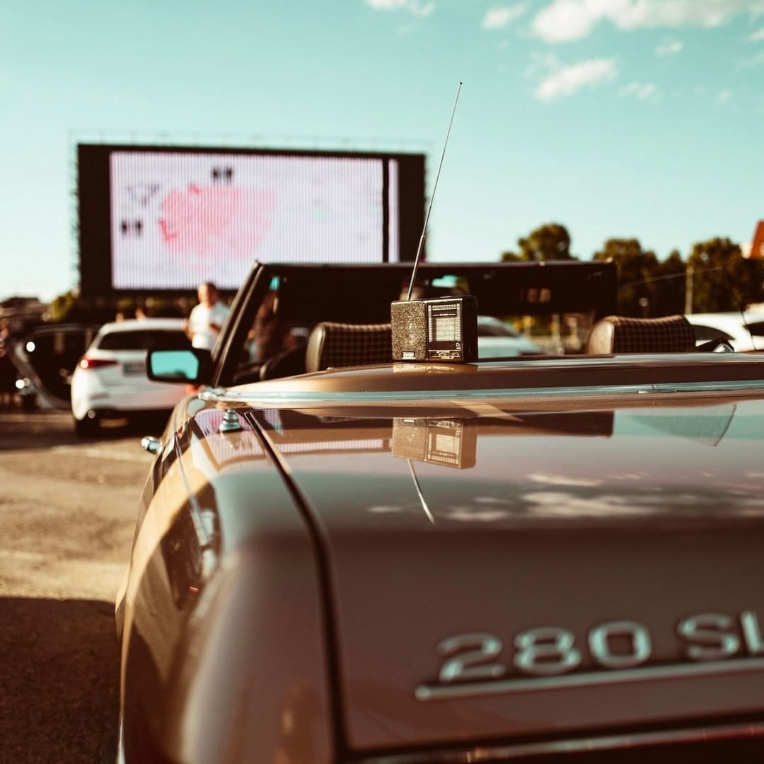 Drive-in cinema experience at its best!  #MercedesBenz #MercedesBenzMuseum #MBclassic #MercedesBenzClassic #driveincinema  Via @MB_Museum https://t.co/RquausYS3C