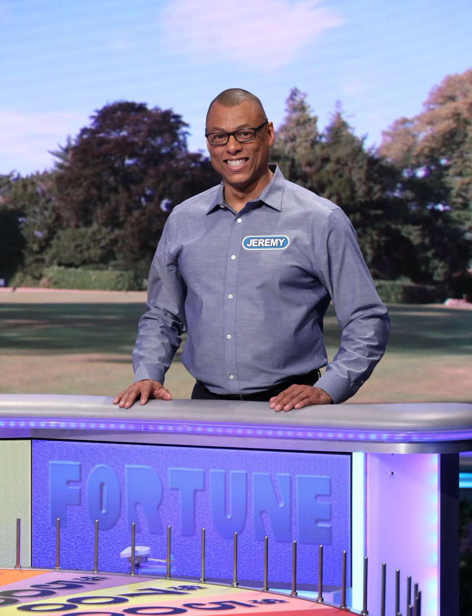 Jeremy Glenn from #WestHollywood is on @WheelofFortune tonight! Cheer him on at 7:30pm on @ABC7. #WheelofFortunepic.twitter.com/HwvSGZ4QxT