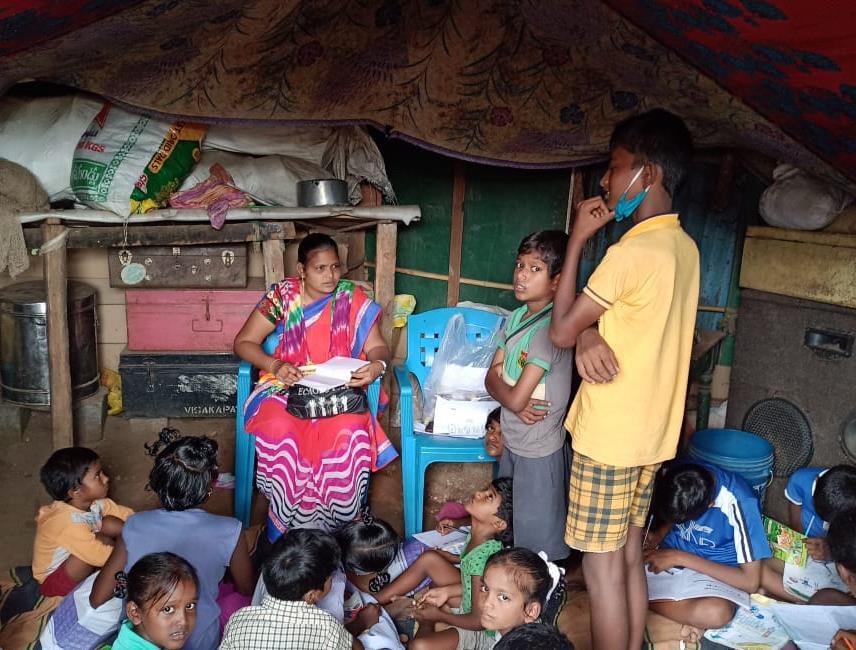More than 440,000 people have been helped with food, hygiene kits, face masks and more through the Salesians of Don Bosco of Bosco Seva Kendra, #India. #WeAreDonBosco #Salesian #covid19 #coronaviruspic.twitter.com/eAJjmI1FsJ