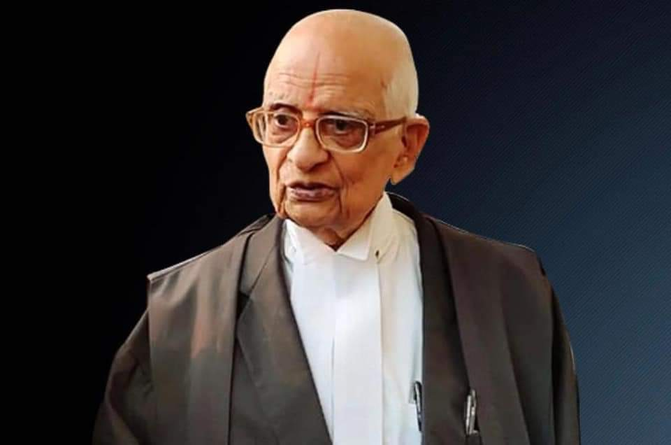 Before you go to sleep the night before #BhumiPujan, say a special thanks to this 92 years old SC lawyer K. Parasaran   He had argued the #RamJanmabhoomi case, barefoot, standing for 4-5 hours at 90+ age!  Such bhakti! Such efforts!  Thousands like him brought us this day. 🙏🏻🙏🏻🙏🏻 https://t.co/9z66tpGksN