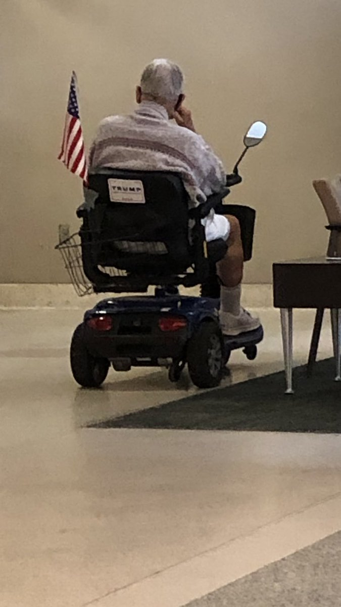 While waiting for my appointment at the VA this morning.  Wanted to shake his hand but had to suffice with a good morning greeting instead...  😏❤️🇺🇸 https://t.co/cH8BwuTuj1