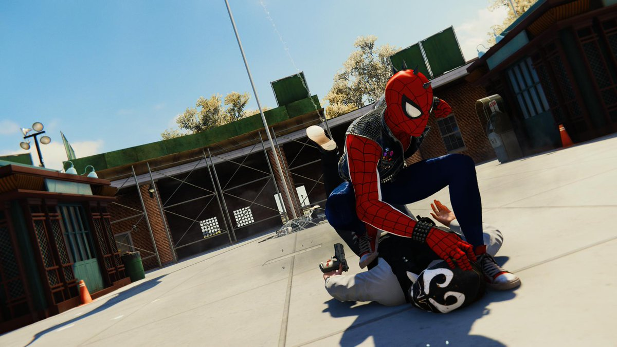 #SpidermanPS4 #PS4sharepic.twitter.com/dPS9q5YTtJ