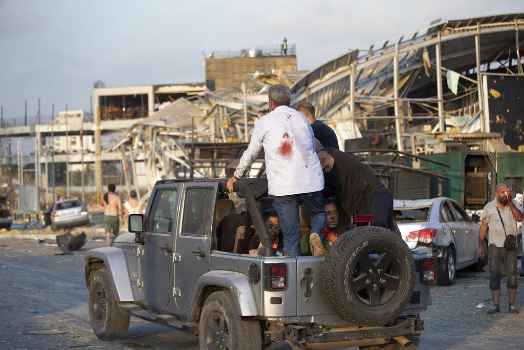 test Twitter Media - Ministro de salud de Líbano dice que por lo menos 50 personas murieron y otras 2.700 resultaron heridas por explosión en Beirut. Vía AP https://t.co/BuiN9jEhKq