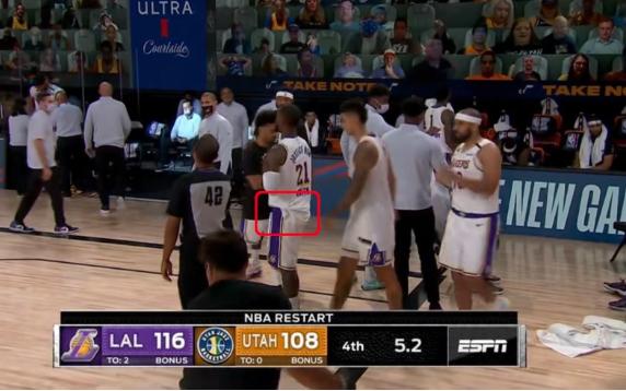 簽了個寂寞?垃圾時間JR再現沮喪行為,態度有問題但是可以理解!-黑特籃球-NBA新聞影音圖片分享社區