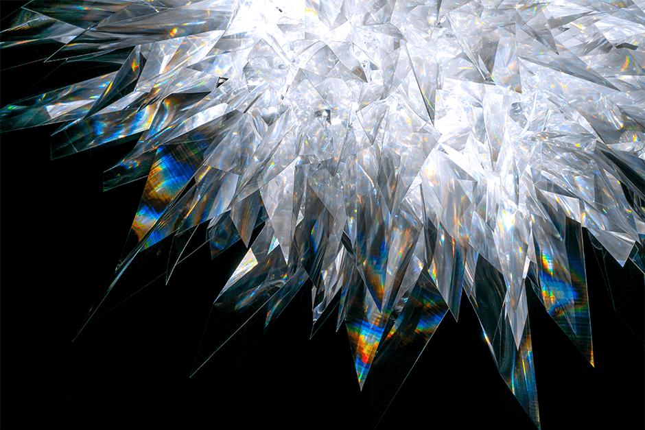 表情豊かな光の空間―アーティストの松尾高弘が展示「INTENSITY」を開催