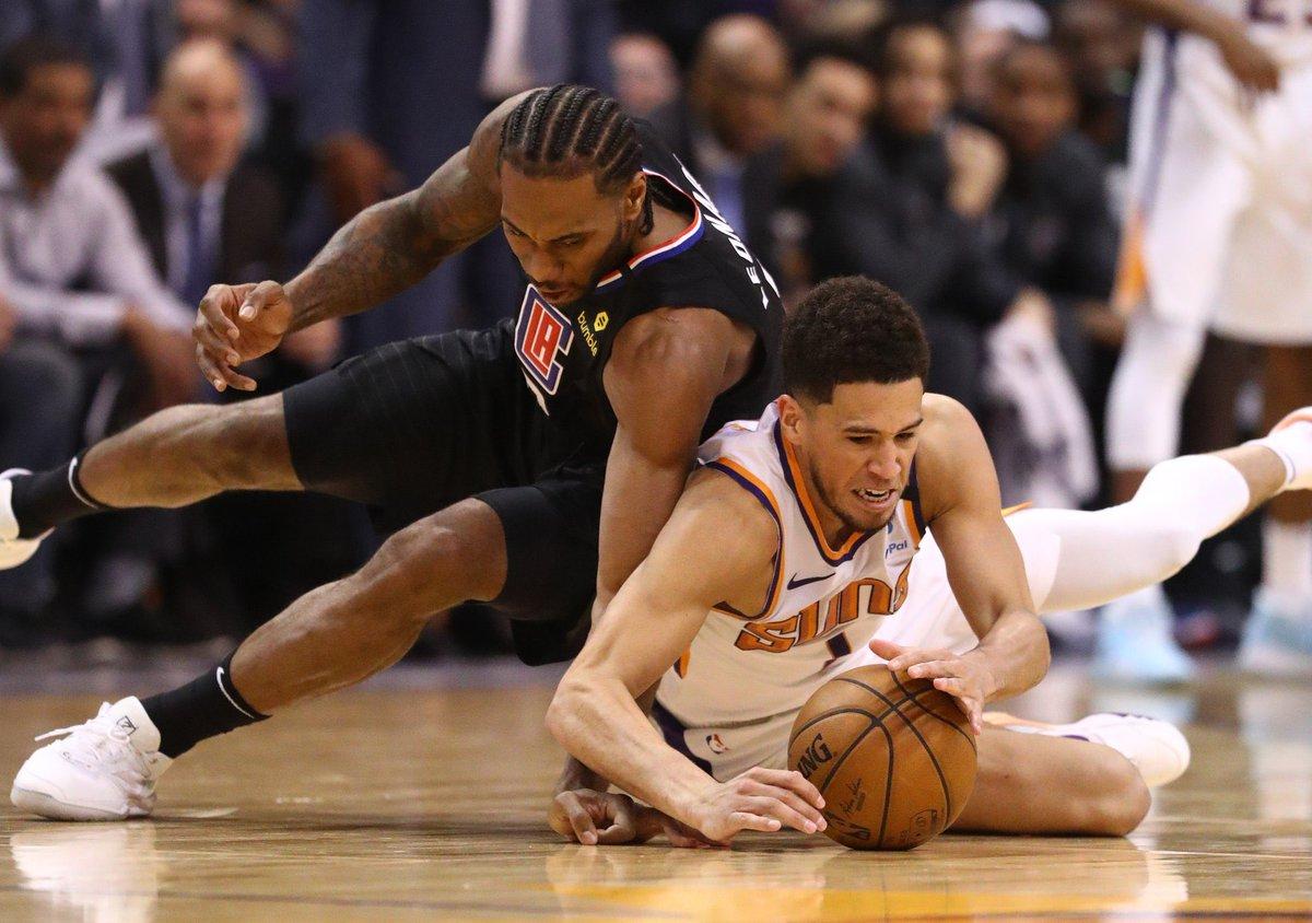 El Oeste está más picante que nunca.  Grizzlies 32-36 ———————— Blazers 30-38 Spurs 29-37 Pelicans 29-38 Suns 29-39 Kings 28-39  Cuanto duele la derrota de los Spurs ayer en la última jugada.  Clave el Blazers vs Rockets de hoy. https://t.co/qD7i38jTbZ