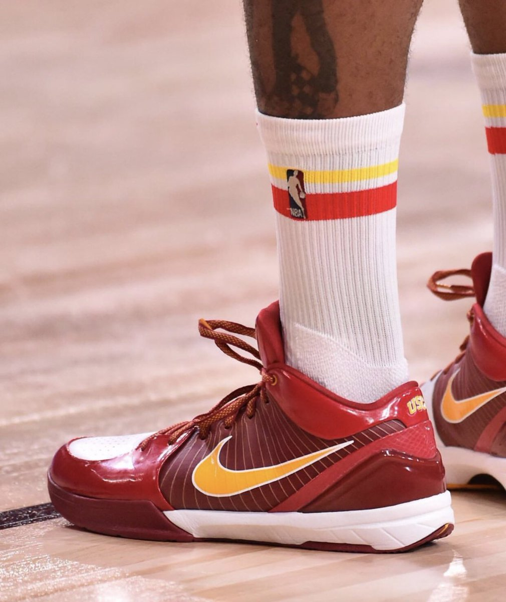 The USC Kobe 4s snuck into the NBA bubble as Texas alum PJ Tucker decided to rock them. Everyone wants to be a Trojan. https://t.co/McuH7BimdN