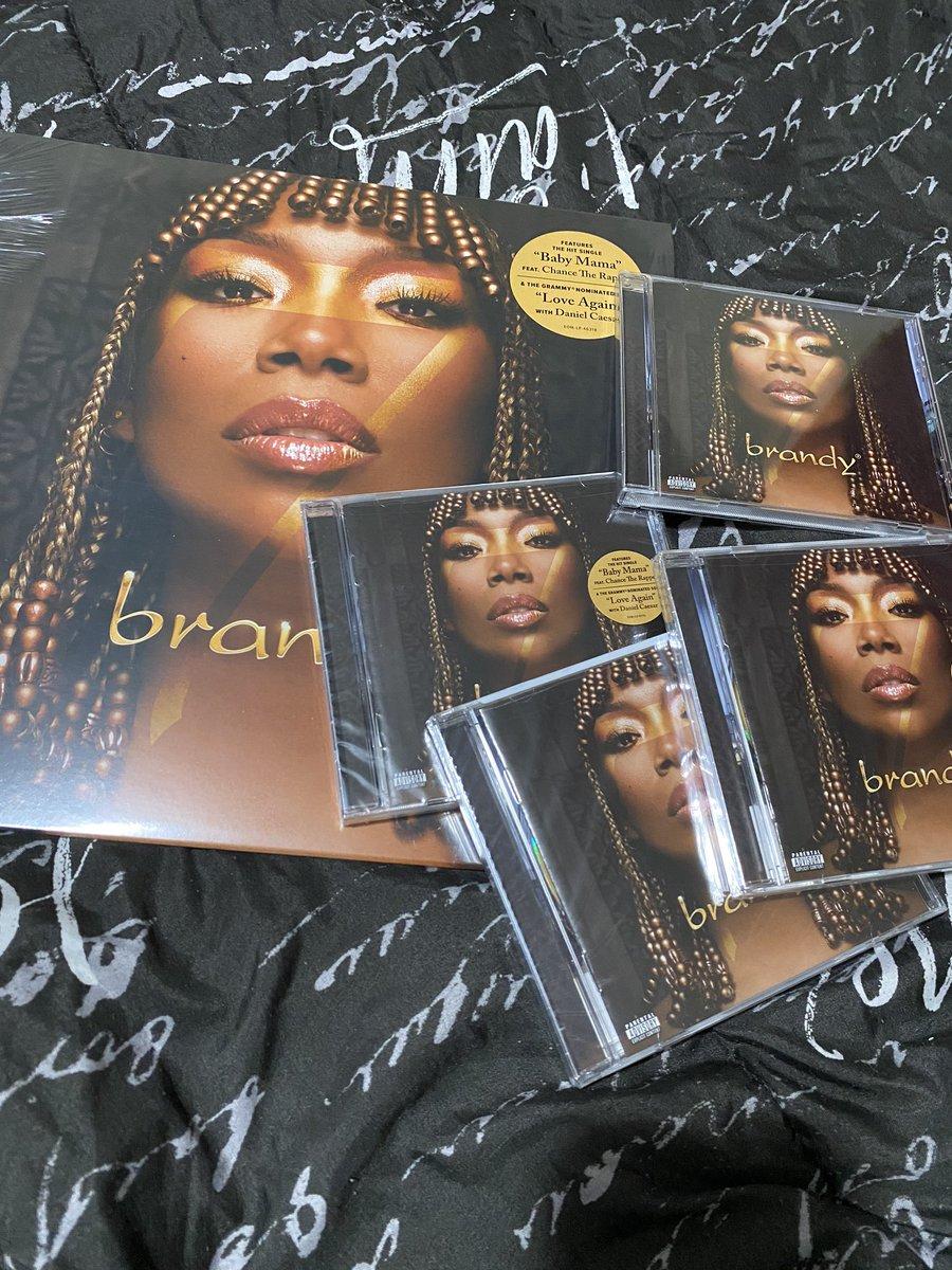 #B7 1 Vinyl. 4 Physical CDs. 1 Digital Copy. @4everBrandy @HEYDJCAMPER @BrandyLegion