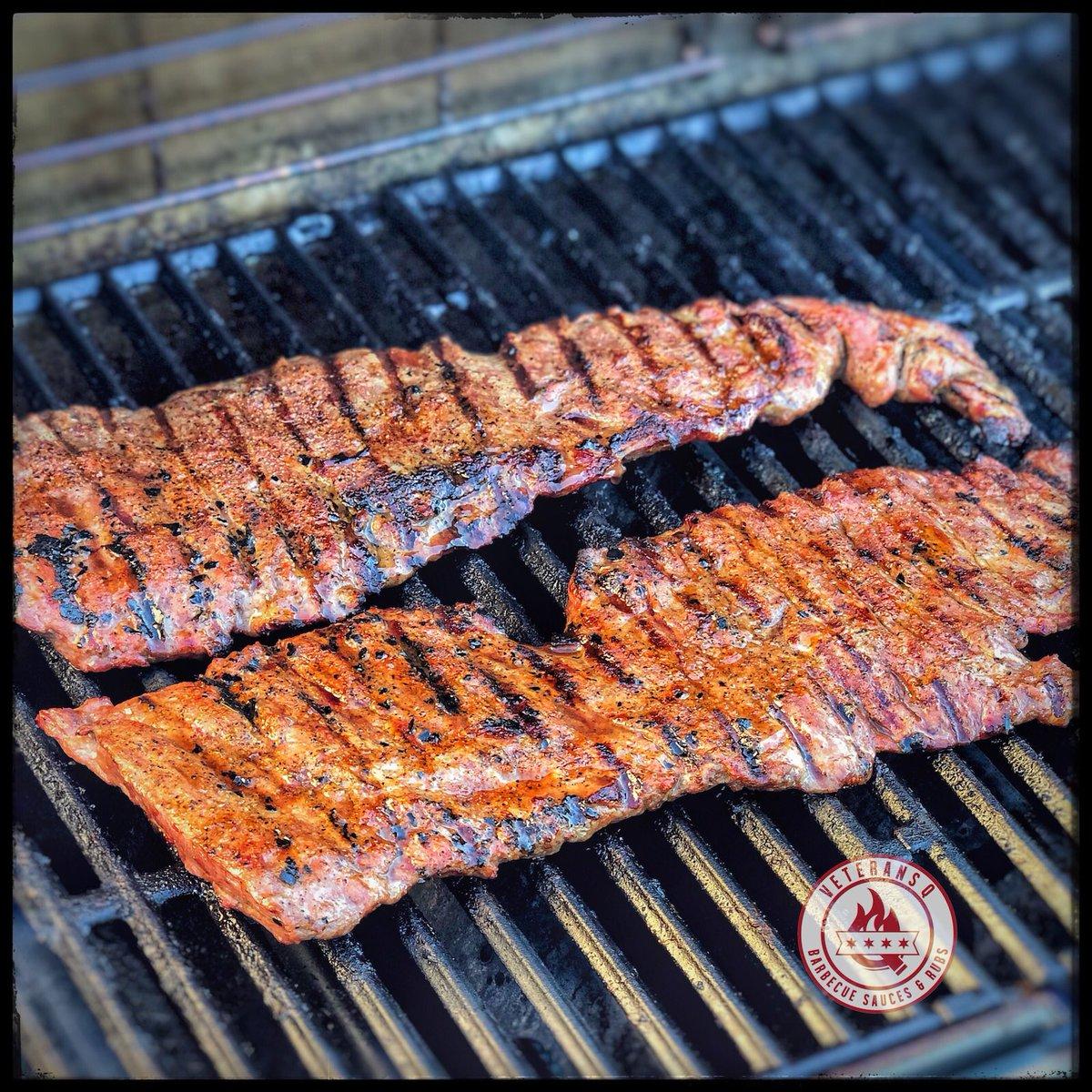 Skirt steak seasoned with Veterans Q Chicken & Pork Rub. #legit   #veteransq #vqnation #steak #chicagobbq #bbqnation #skirtsteak #grill #weber #grilling #summertime #illinoisbbq #bbq #yup #tadowpic.twitter.com/AthzsEgtYS
