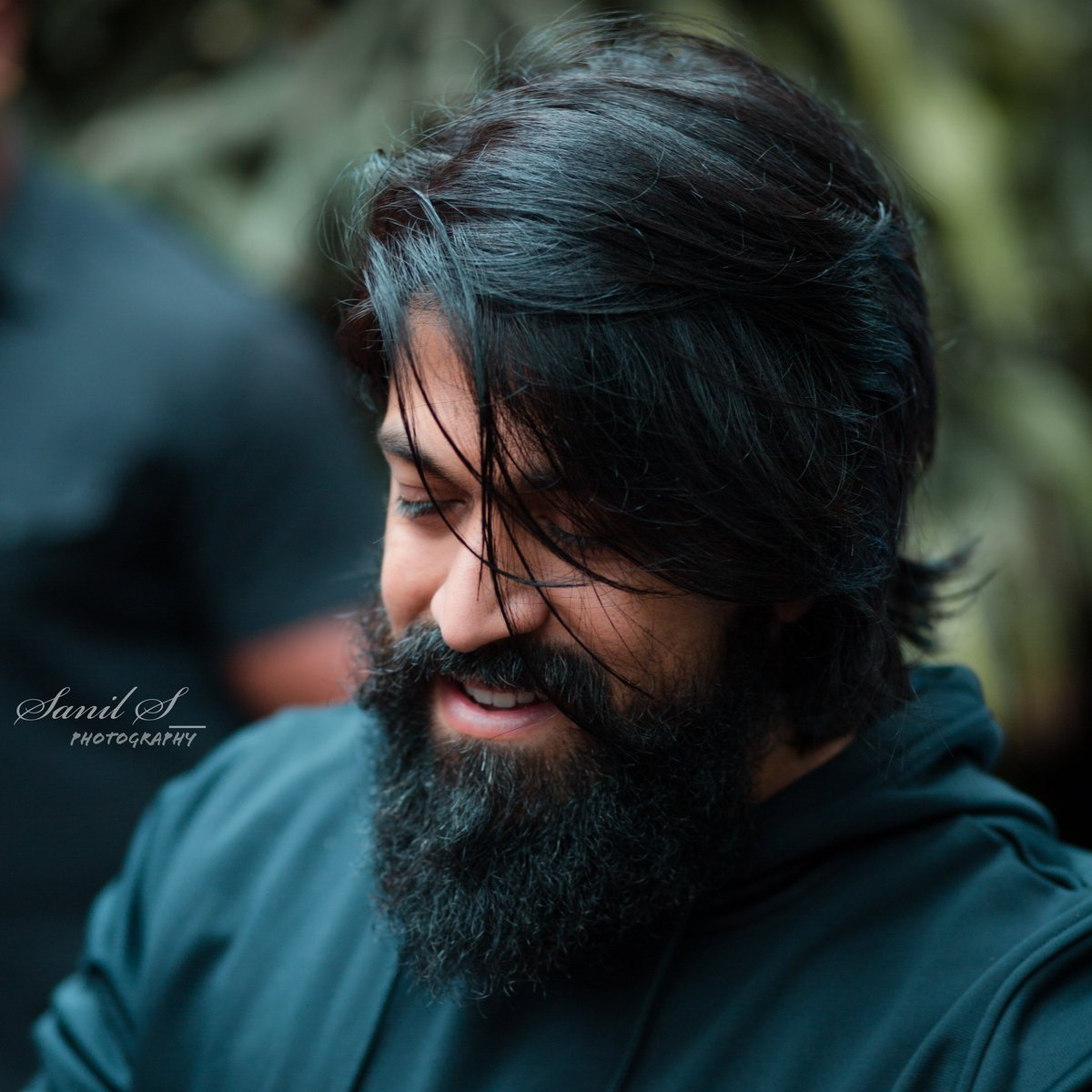 Kill Them With Ur Success...!   Bury them with Ur Smile...!  Good mrng alll@thenameisyash  #YashBOSS /#KGFChapter2pic.twitter.com/3aQpBsZvNr