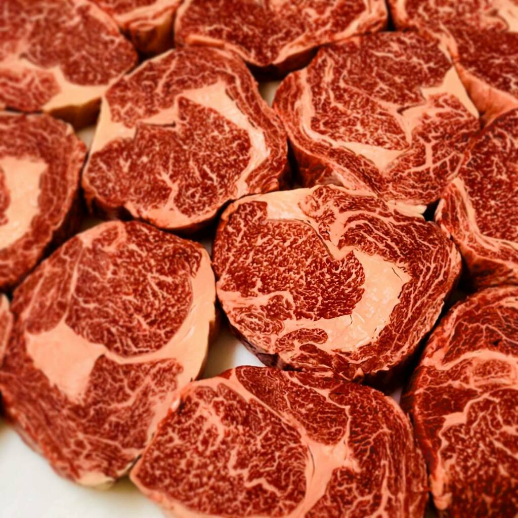 Gippsland's finest @oconnorbeef grass fed scotch fillet steaks. From one family business to another   . . #jrforstermeats #oconnorsbeef #foodmiles #knowyourfarmer #gippslandproduce #grassfedbeef #shoplocal #smallbusinessowners #family #scotchfill… https://instagr.am/p/CDfNRSKjFnm/ pic.twitter.com/pSoFUDrelA