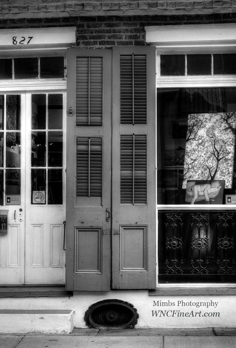 Doors and Window in Black and White French Quarter, New Orleans pic.twitter.com/k0aBQNgfnF