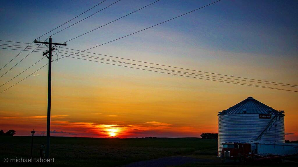 #ruraliscool  #lifesgoodhere #loveruralam #photography #photooftheday #ruralphotography #bloomwhereyouareplanted https://t.co/lLb82mQVc7 https://t.co/Cns6B8mZFS