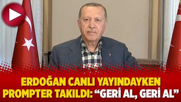 """Erdoğan canlı yayındayken prompter takıldı: """"Geri al, geri al"""" https://t.co/wJVmtKuUur https://t.co/gRDv50Wie4"""