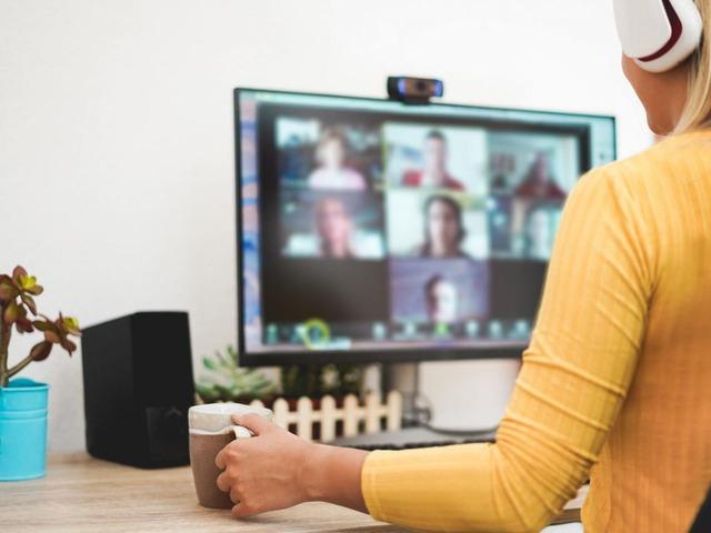 ビデオ会議サービスのZoomが、中国の顧客への直接販売を近く中止するようだ。中国の顧客は現地のパートナー企業を通じて利用することになるという。
