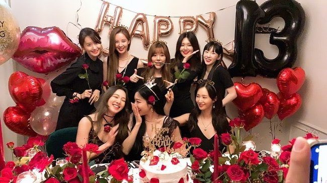 少女時代、デビュー13周年パーティー公開 「私たちは永遠」