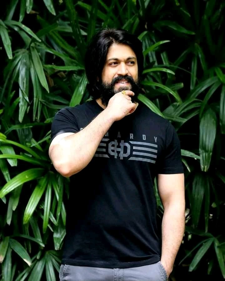 Movies Might Come & Go, But Our Heart Is Forever Devoted To YASH BOSS. The Most Loved & Cherished Star Of Our Generation  Good Morning Anthammas #KGFChapter2 #YashBOSS pic.twitter.com/HMsB3IWGSs