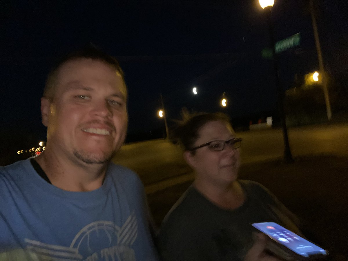 It's not the best picture but it's walks like this late Sunday after busy day and late dinner that we still walk it out, talk, laugh, and create moments! Full moon don't care. #02AUG #MakingMemories #FamilyIsImportant #EXCUSESorRESULTS #FITfam #1dayATaTIME #SundayBlessingspic.twitter.com/VhVk7iIKnJ