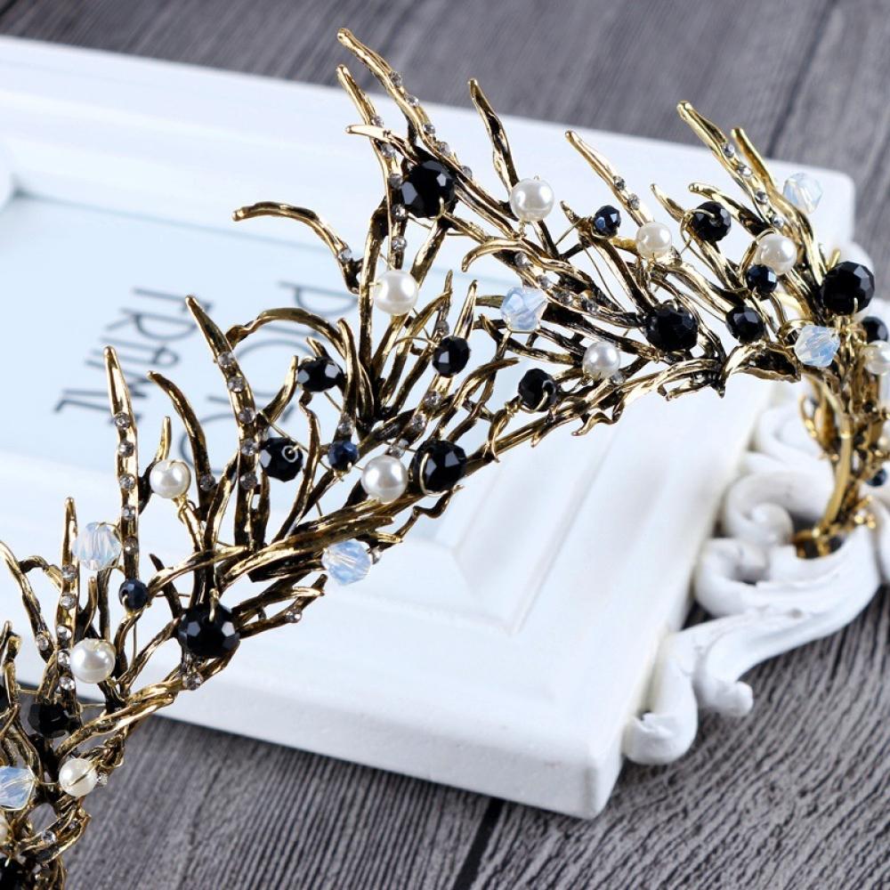 #luxury #jewels Vintage Gemstone Zinc Tiara Crown https://tresurestyle.com/vintage-gemstone-zinc-tiara-crown/…pic.twitter.com/7E5mCAXu4y
