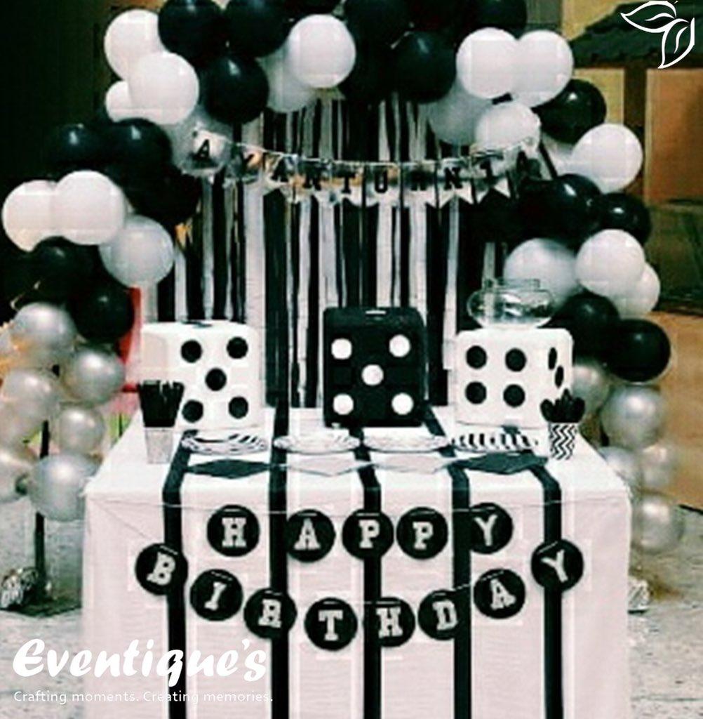 Chick and sassy black and white #themedbackdrop for a Birthday! #birhday #birthdaygift #birthday #bday #party #bestoftheday #birthdaycake #cake #friends #celebrate #photooftheday #candle #candles #happy #young #old #years #happybirthday #born #family #bangalore #bangalorediaries pic.twitter.com/65OFIZjjIp
