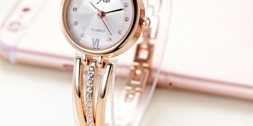 #jewels Stainless Steel Bracelet Women Watches https://jawaherna.com/stainless-steel-bracelet-women-watches/…pic.twitter.com/te2iiyDPpQ