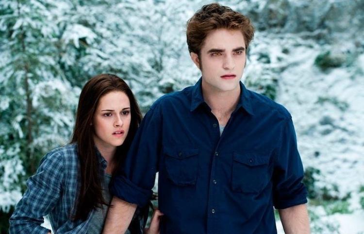 Próxima película de la saga 'Crepúsculo' no contaría con Robert Pattinson ni Kristen Stewart Más información, aquí: https://eitmedia.mx/index.php/entretenimiento/septimo-arte/item/76042-proxima-pelicula-de-la-saga-crepusculo-no-contaria-con-robert-pattinson-ni-kristen-stewart…   // #SéptimoArte #Entretenimientopic.twitter.com/pVWhnURBX6